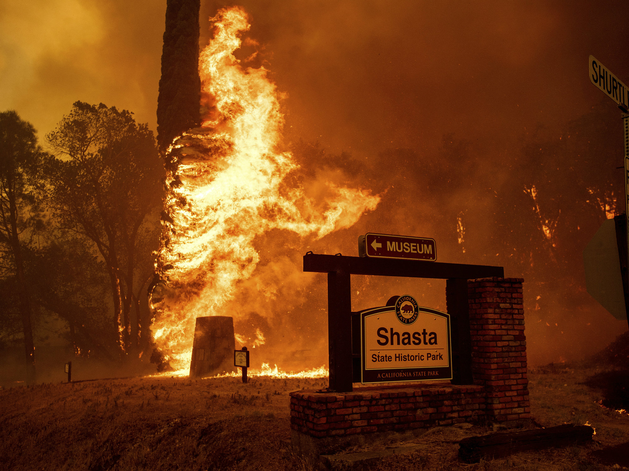 Rising winds forecast for Northern California wildfire zones