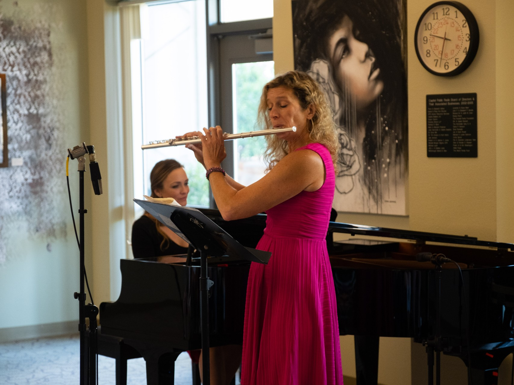 Watch Sunday Baroque Host Suzanne Bona's Visit To CapRadio And Performance With Jennifer Reason