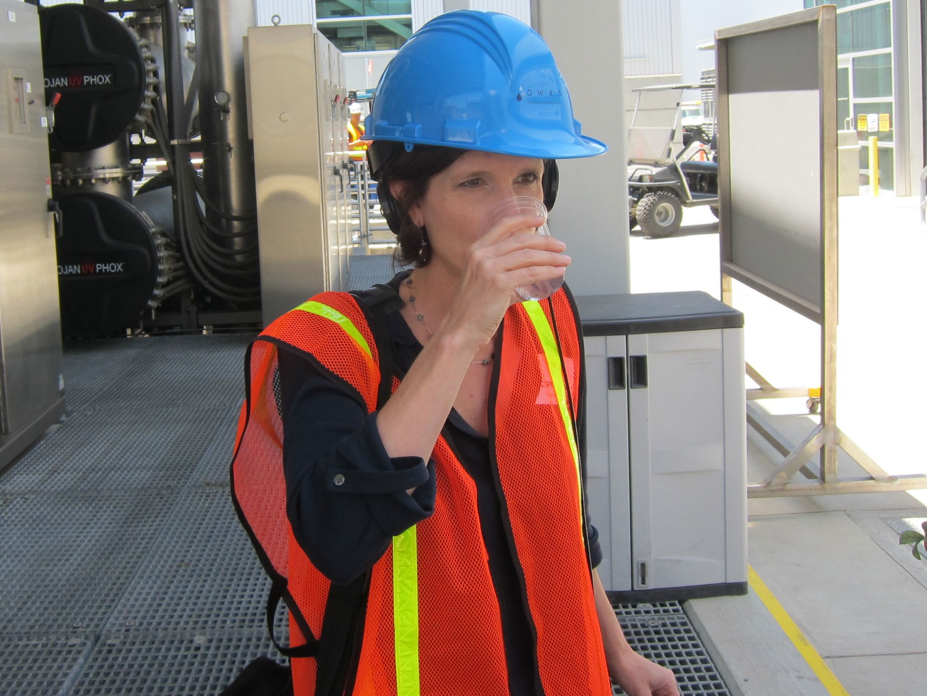 0625-Amy -drinks -treated -wastewater -P