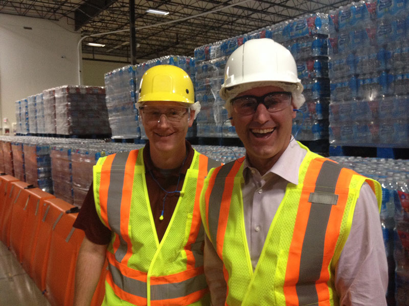 1105-Nestlé -Sacramento -bottling -plant -manager -Shawn -Edmondson -(L)-with -Nestlé -Waters -North -America -President -and -CEO-Tim -Brown -(R)-inside -the -plant -p
