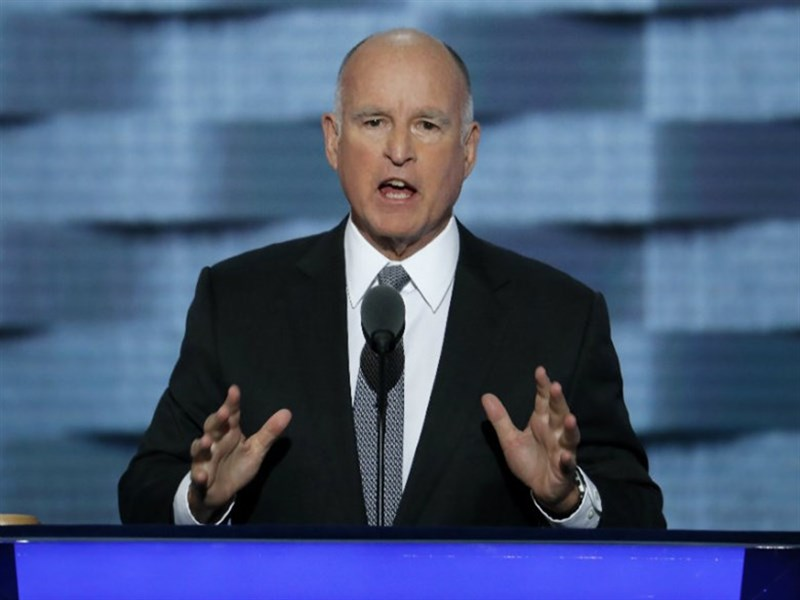 Jerry Brown _072716P