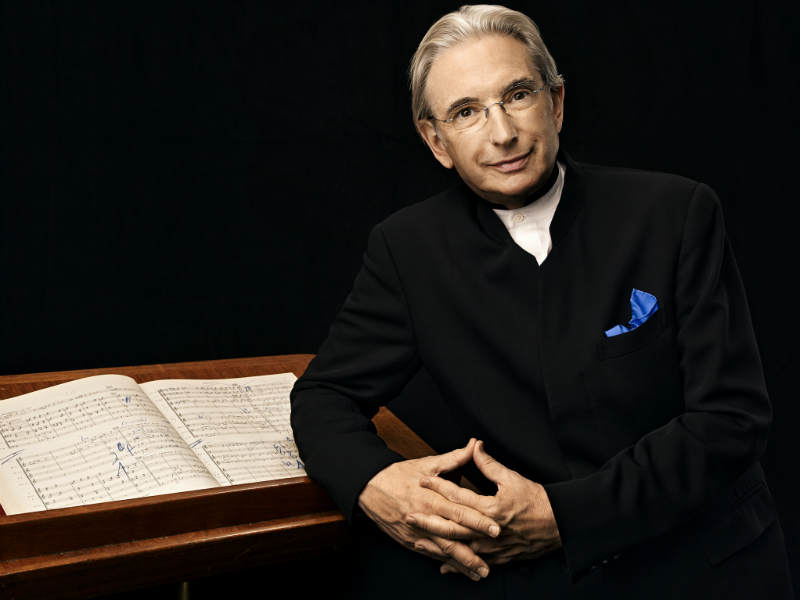 Michael Tilson Thomas | photo: Art Streiber